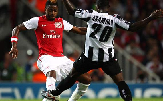 Arsenal vs. Udinese, Alex Song & Giampiero Pinzi