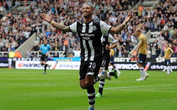 Blackburn Rovers sign Leon Best from Newcastle United
