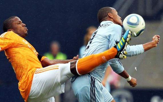 Jermaine Taylor, Teal Bunbury; Houston Dynamo - Sporting Kansas City