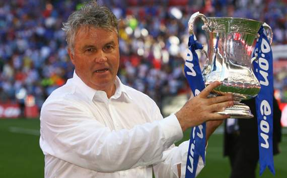 Hiddink hints at Premier League return