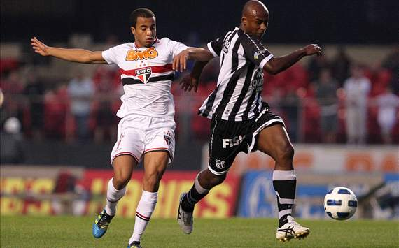Sao Paulo starlet Lucas Moura not thinking about a move to Europe
