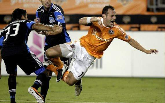 Brad Davis, Steven Beitashour; Houston Dynamo - San Jose Earthquakes