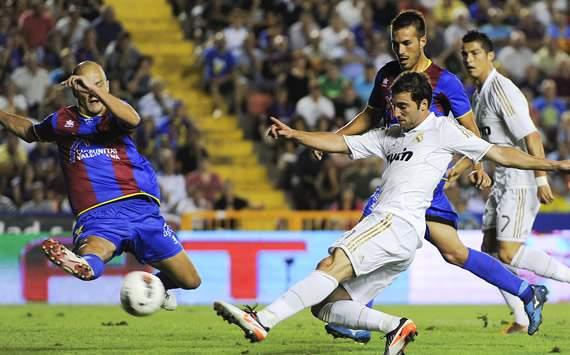 Liga BBVA: Levante-Real Madrid: Gonzalo Higuain