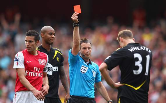 EPL : Mark Clattenburg -David Wheater, Arsenal v Bolton