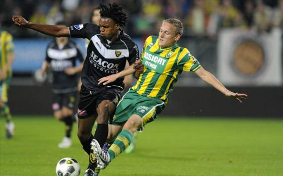 Toornstra in duel met Uchebo (ADO-VVV)