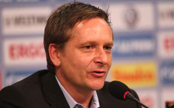 Schalke general manager Heldt admits AC Milan are interested in Papadopoulos