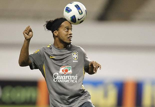 Ronaldinho's agent excludes Panathinaikos move
