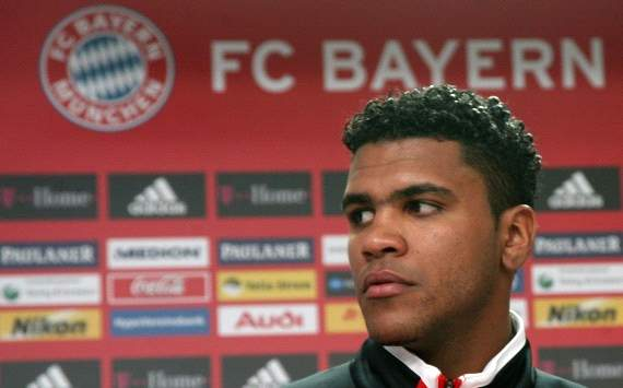 Bayern president Hoeness criticised over Breno defence