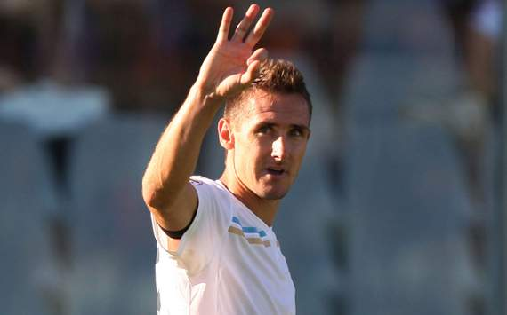 Lazio's Miroslav Klose in fitness race for capital derby against Roma