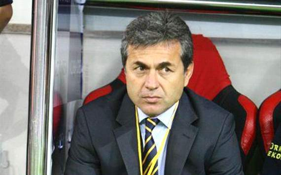 Kocaman extends Fenerbahce contract by three years
