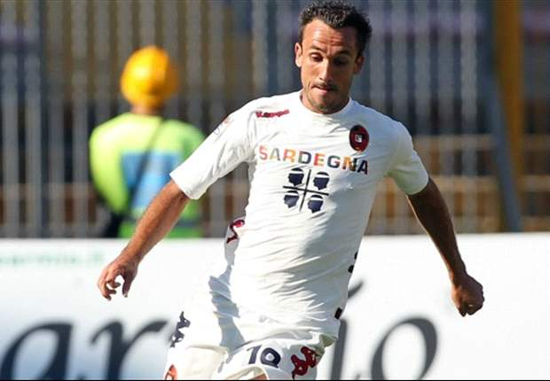 Cagliari, per Thiago Ribeiro  un vero giallo: l'attaccante, riscattato dai sardi, punta i piedi e vuole restare in Brasile: &quot;Non ho la testa per tornare&quot;