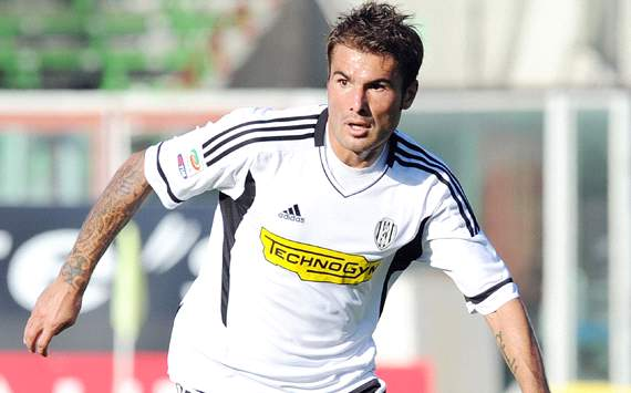 Mutu prepares for a return to Romania
