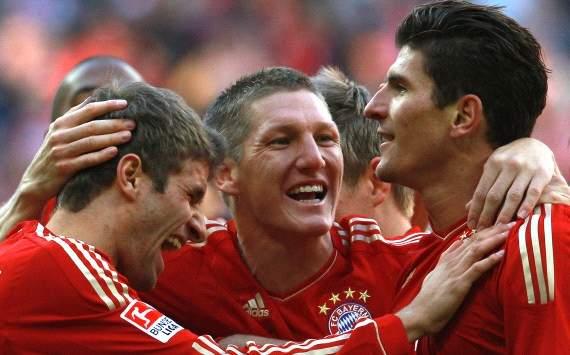 German Bundesliga: Bayern Munich - Hertha BSC, Thomas Mueller, Bastian Schweinsteiger, Mario Gomez