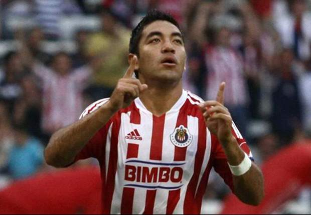 Report: Wolfsburg makes offer for Marco Fabian