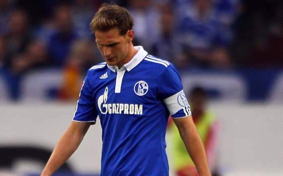 Howedes keen to remain Schalke captain