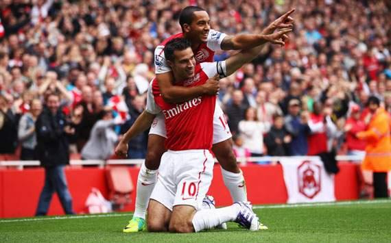 EPL - Arsenal vs Sunderland, Robin van Persie and Theo Walcott
