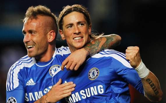 UEFA Champions League: Fernando Torres - Raul Meireles, Chelsea FC v KRC Genk