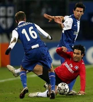 Champions League: Mahdavikia, Raul Meireles, Helder Postiga, Hamburger SV - FC Porto (AFP)