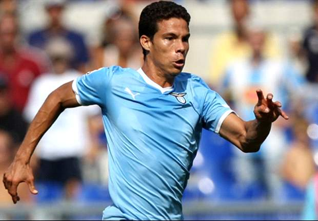 Lazio midfielder Hernanes not interested in Premier League switch