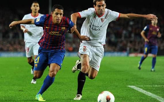 Liga BBVA: Barcelona-Sevilla:  Adriano; Fernando Navarro