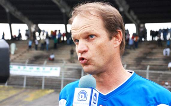 Cameroon FA calls coach Denis Lavagne to order