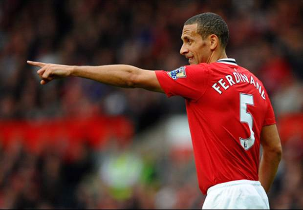 Manchester United to ask Ferdinand to take massive pay cut as talks open over new contract