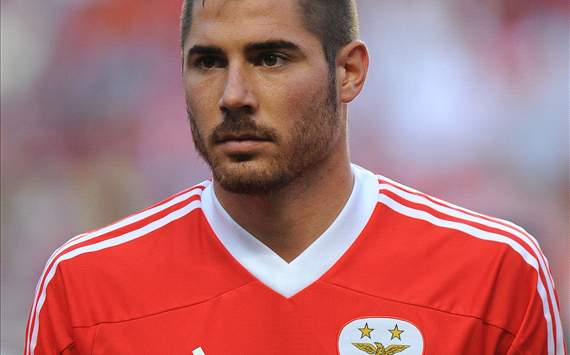 Agent insists Manchester United target Javi Garcia is focused solely on Benfica