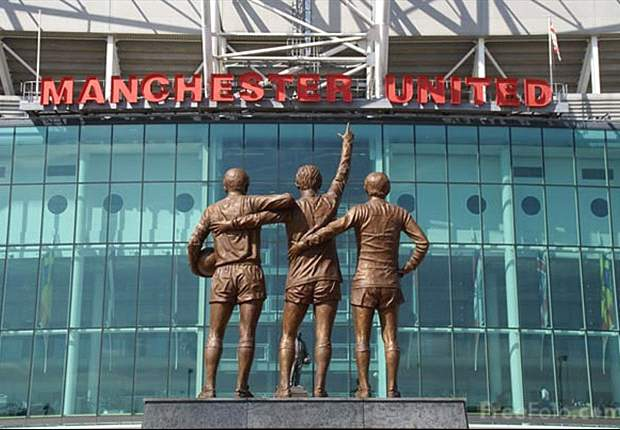 Manchester United revenue falls to 320m pounds