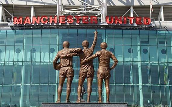 Director leaves Manchester United board after 28 years