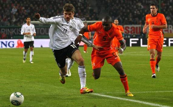 Germany - Netherlands: Thomas Mueller, Edson Braafheid