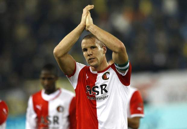 Feyenoord urge Aston Villa to make a decision over signing Vlaar