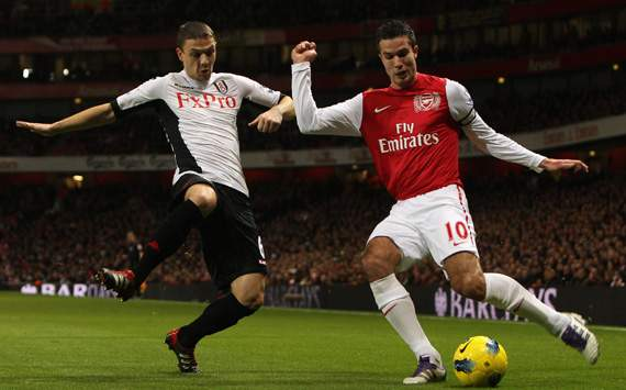 EPL - Arsenal v Fulham, Chris Baird and Robin van Persie