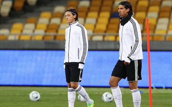Ozil and Khedira to arrive at German Euro 2012 training camp late