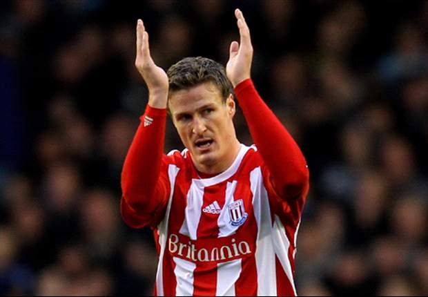 Huth signs three-year contract extension with Stoke