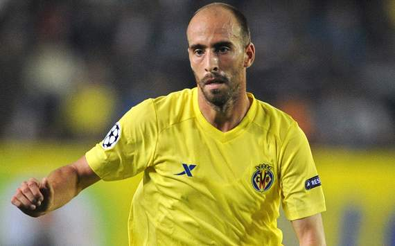 Borja Valero, Nilmar, Zapata & the Villarreal stars in the summer shop window