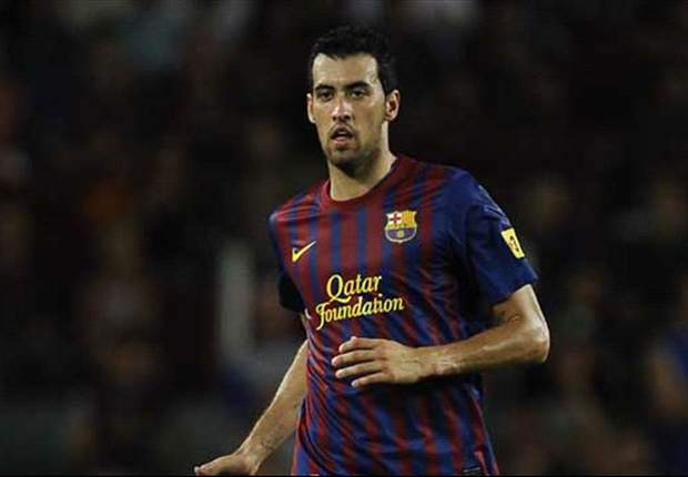 Barcelona's Sergio Busquets suffers suspected knee injury against Real Sociedad
