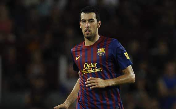 Barcelona should help Messi become top scorer, says Busquets