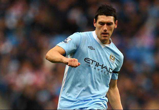 Manchester City plan January contract talks for Gareth Barry