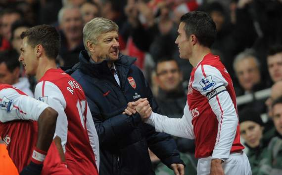 EPL - Arsenal v Everton, Arsene Wenger and Robin van Persie