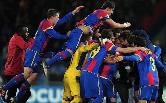 Champions League: FC Basel - Manchester United, Basel's players celebrating