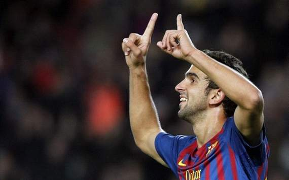 Martin Montoya signs new deal with Barcelona