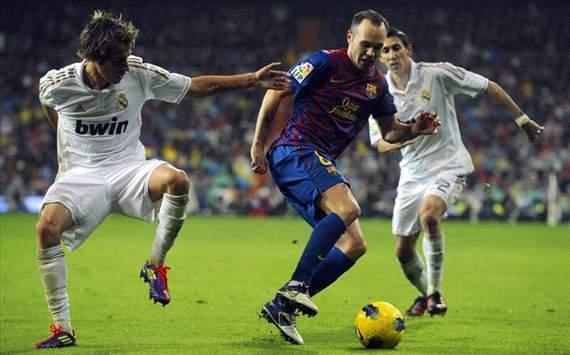 Clasico : Real Madrid - Barcelona : Coentrao, Iniesta, Di Maria