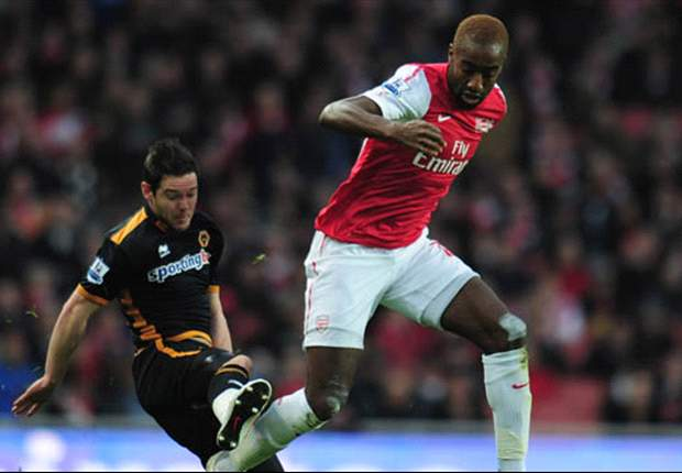Arsenal's Johan Djourou signs new contract extension until 2015 – report