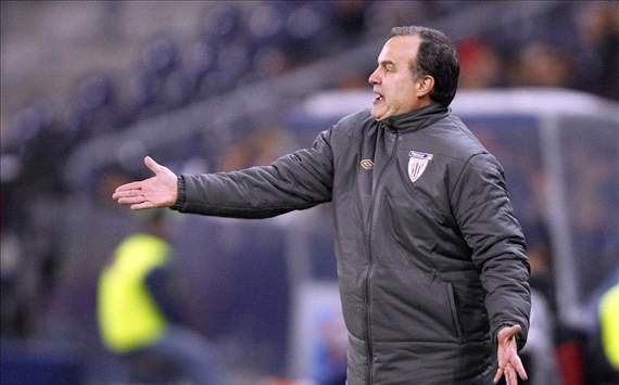 Athletic Bilbao condemn Bielsa's altercation with construction company employee
