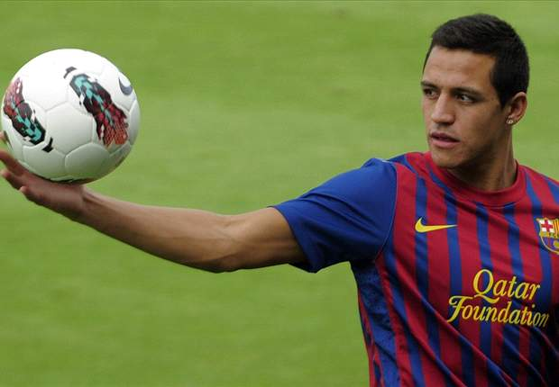 TEAM NEWS: Alexis starts in attack for Barcelona in Supercopa clash against Real Madrid