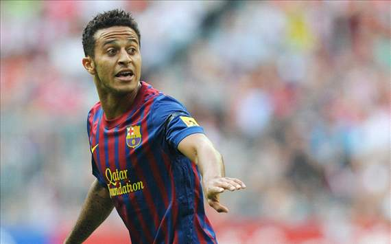 Thiago & Adriano resume Barcelona training