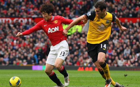 EPL - Manchester United vs Blackburn, Ji-Sung Park and Radosav Petrovic