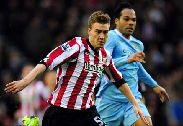 Sunderland's Nicklas Bendtner set to return to training with mask
