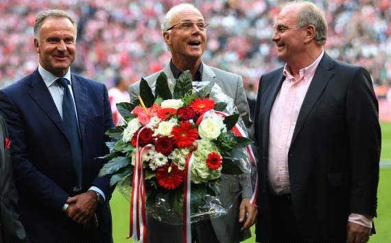 Uli Hoeness Desak Sepp Blatter Mundur