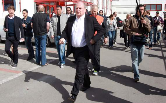 Hoeness hits back at Matthaus over Lewandowski claims